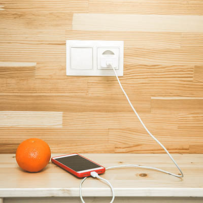 Tip of the Week: Is Keeping Your Smartphone Plugged In So Bad?